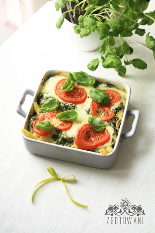 zapiekanka-ze-szpinakiem,-mozzarella-i-pomidorami