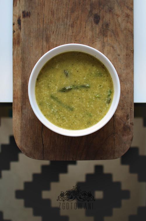 zupa-krem-ze-szparagami,-cukinia,-groszkiem-i-kasza-kuskus-12
