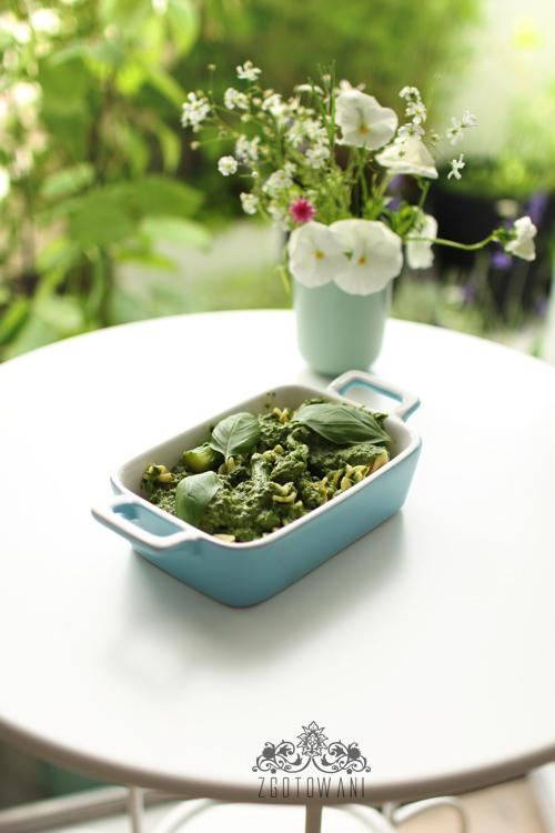 makaron-ze-spinakiem,-szparagami,-sere-dor-bleu-i-sosem-beszamelowym-10