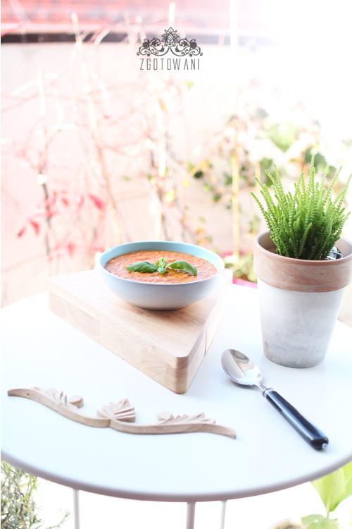 zupa-krem-z-pomidorow-i-ciecierzycy-12