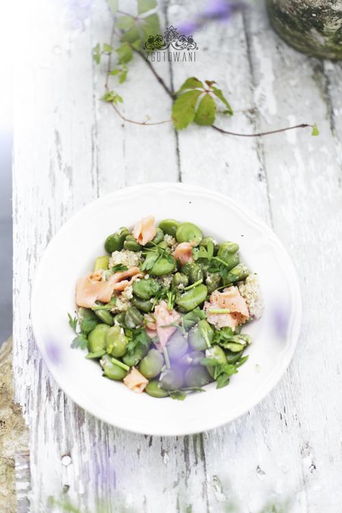 salatka z komosa ryzowa, bobem i lososiem 10