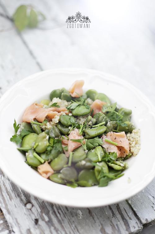 salatka z komosa ryzowa, bobem i lososiem 8