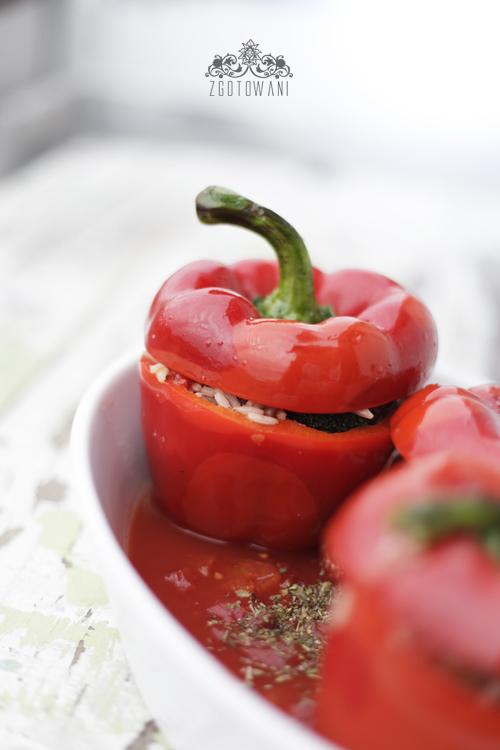 wegetarianska faszerowana papryka 2