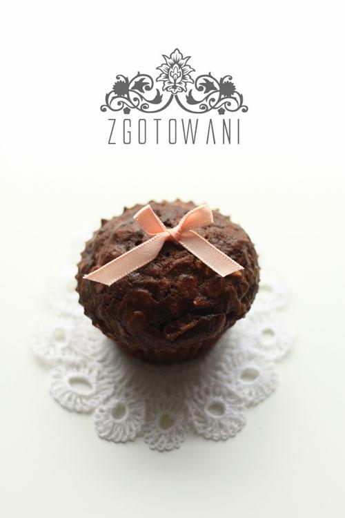 czekoladowe-muffinki-z-bananami-2