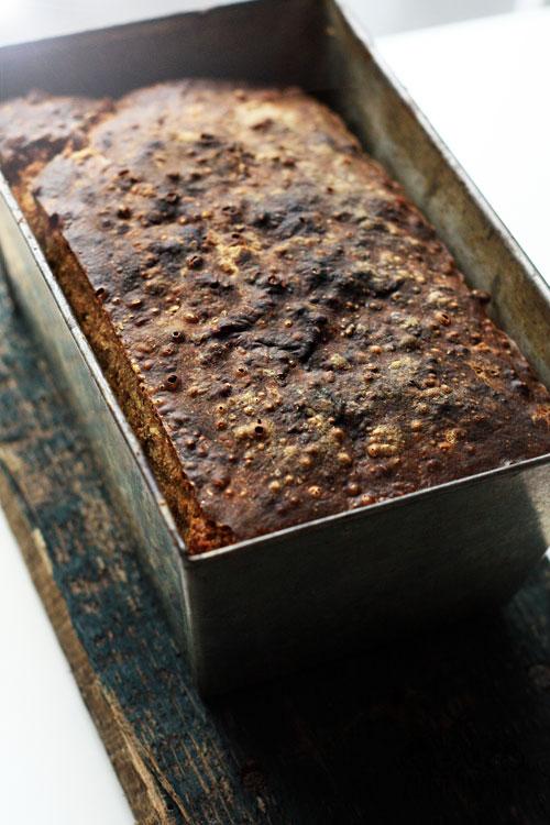 chleb-na-zakwasie-z-platkami-owsianymi-i-cebula-1