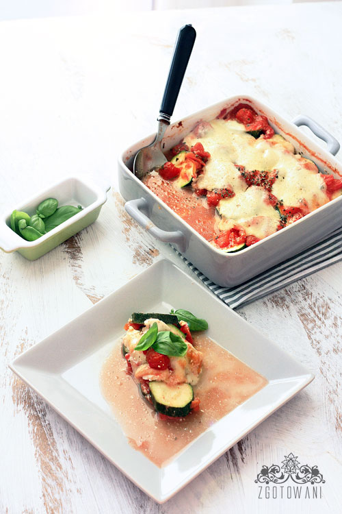 zapieanka-z-cukini,-pomidorow-i-fety-10