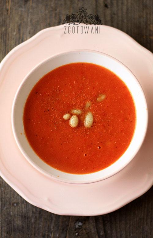 zupa-krem-z-pomidorow-i-fasoli-5