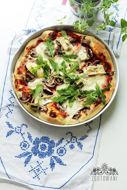 pizza-serowa-z-rukola-1