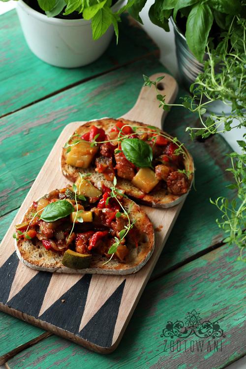 bruschetta-z-warzywami-1