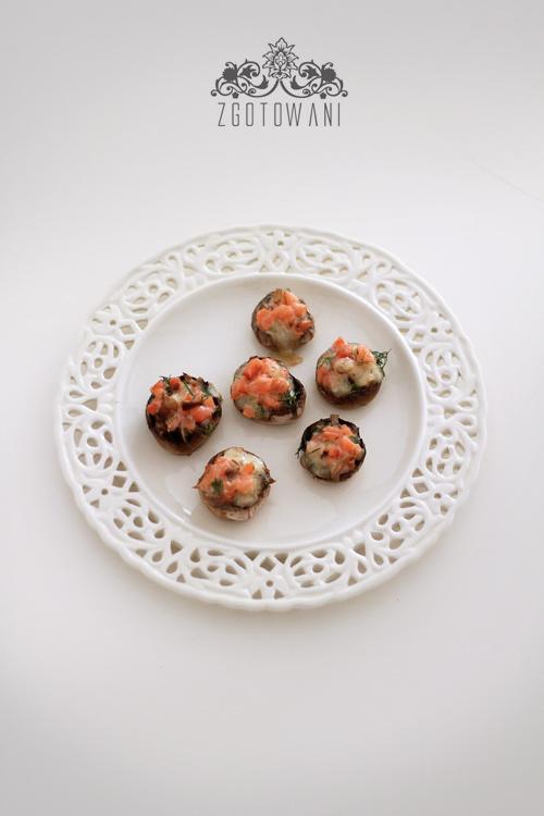 pieczarki-faszerowane-wedzonym-lososiem-i-mozzarella-15