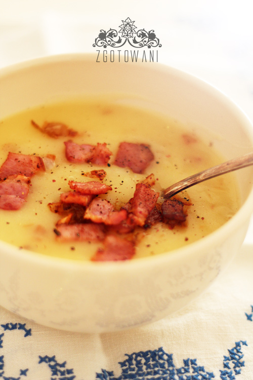 zupa-krem-z-ziemniakow-z-podsmazona-cebulka-i-boczkiem-1