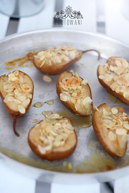 gruszki-pieczone-z-miodem-migdalami-i-anyzem-11