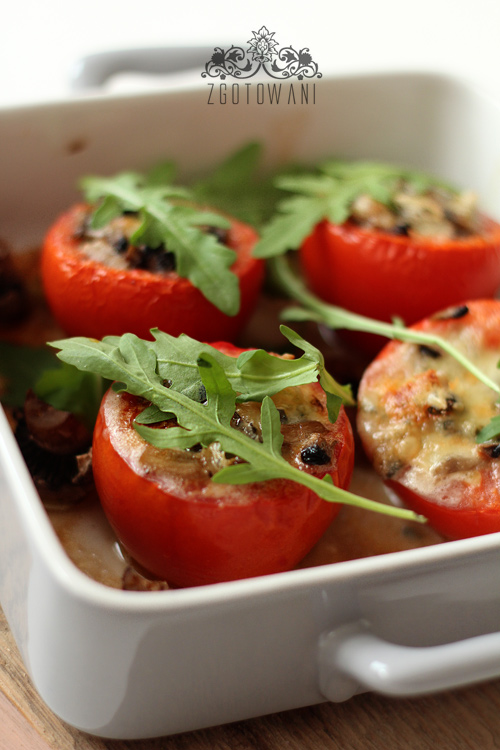 pomidory-faszerowane-pieczarkami-i-serem-3