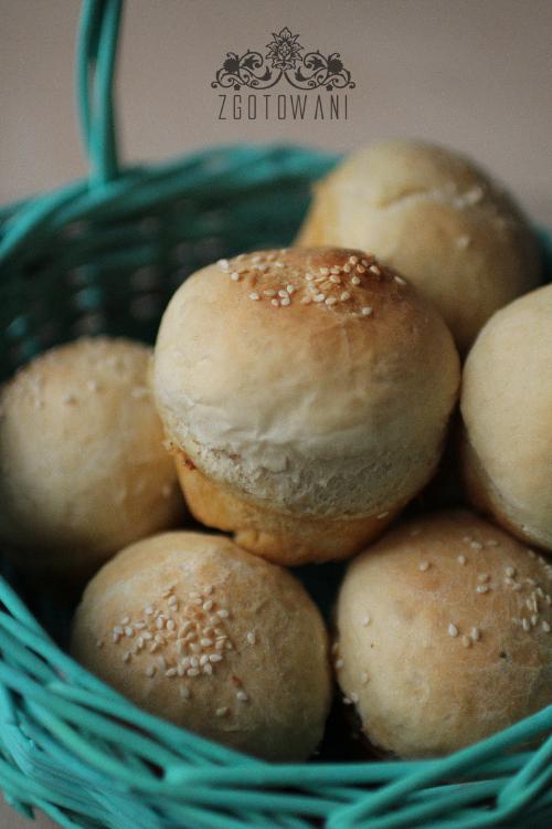 Muffinki-z-pieczarkami,-suszonymi-pomidorami-i-dwoma-serami-1