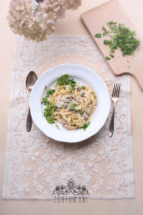 spaghetti-carbonara-z-pieczarkami-6