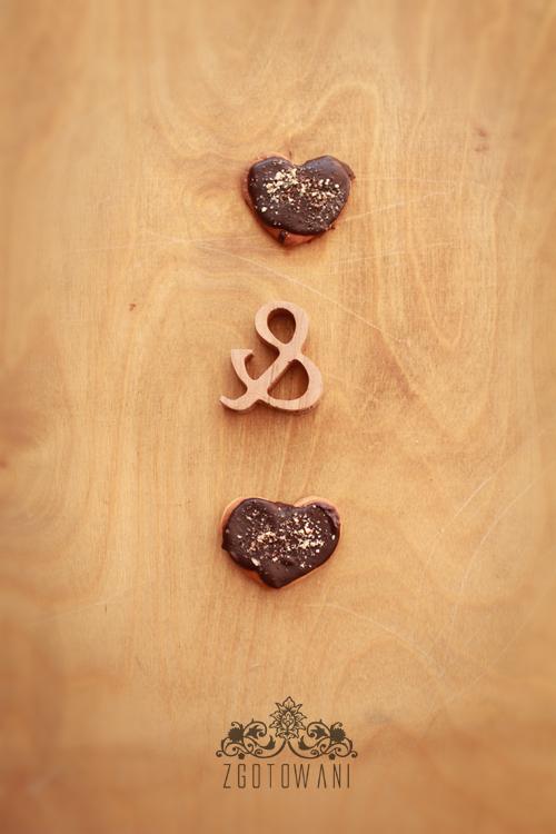 drozdzowe-ciasteczka-z-polewa-czekoladowa-6