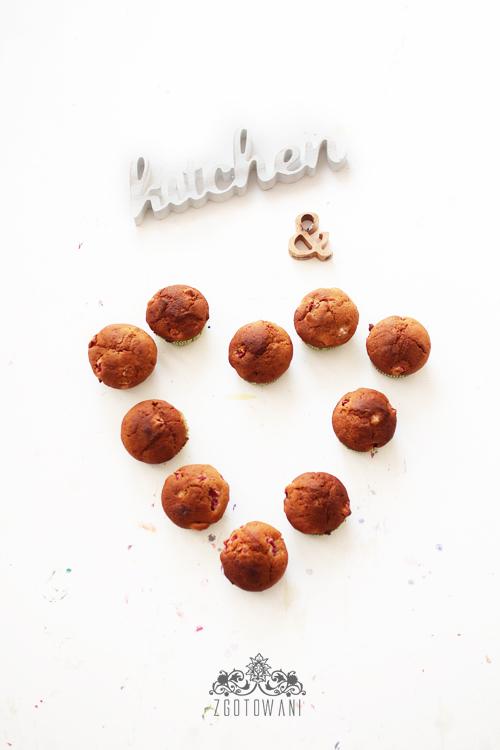 mufinki-z-truskawkami-7