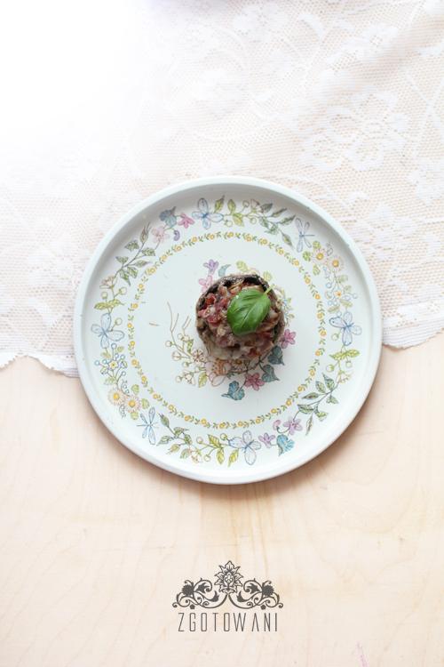 pieczarki-faszerowane-boczkiem,-szynka-szwarcwldzka-i-mozzarella-4