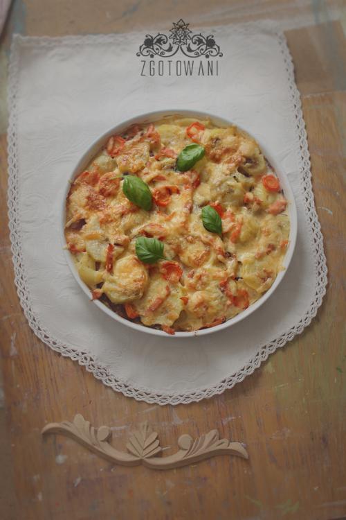 zapiekanka-z-ziemniakami-i-wedzonym-lososiem-1