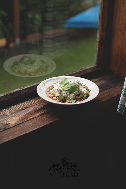 kasza-gryczana-z-lesnymi-grzybami,-cukinia-i-fasola-8