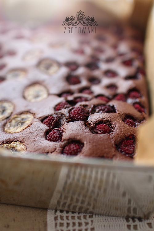 brownies-z-malinamii-i-bananem-7