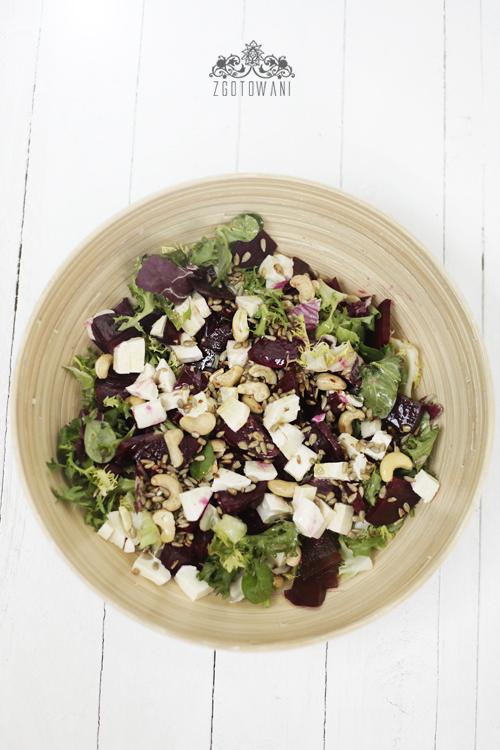 salatka z buraczkami, mozzarella i orzechami 7